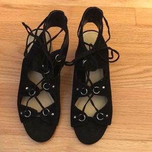 MARC FISHER Size: 7.5 Suede Sandals